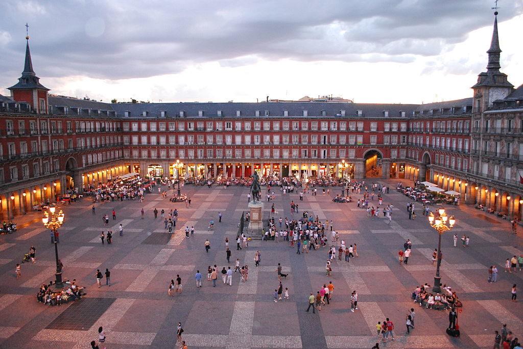 LA PENÚLTIMA BARRABASSADA D'ESPANYA: ESPIAR LES DELEGACIONS CATALANES