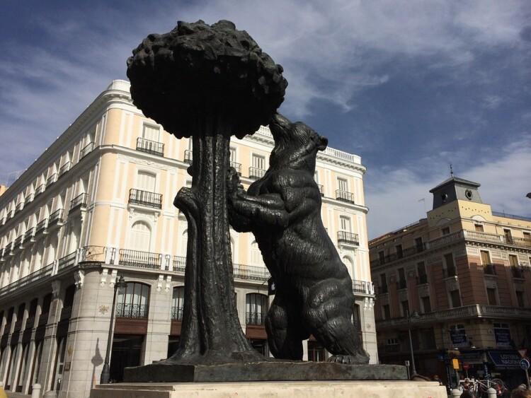 L'OCDE ACUSA MADRID DE SER UN PARADÍS FISCAL