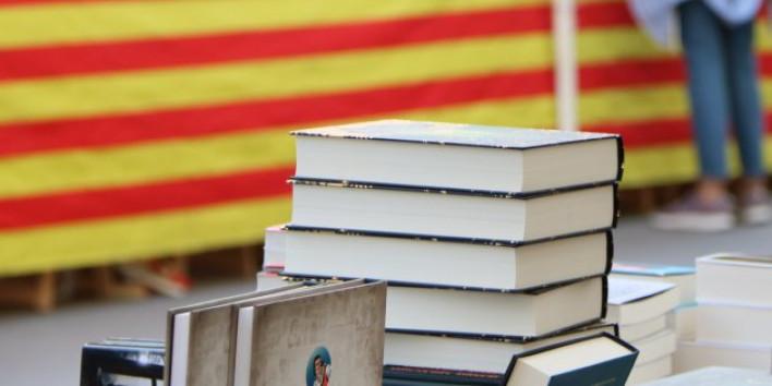A LA BIBLIOTECA NACIONAL D'ESPANYA NO HI HA NINGÚ A QUI DEMANAR PERDÓ PER PARLAR CATALÀ